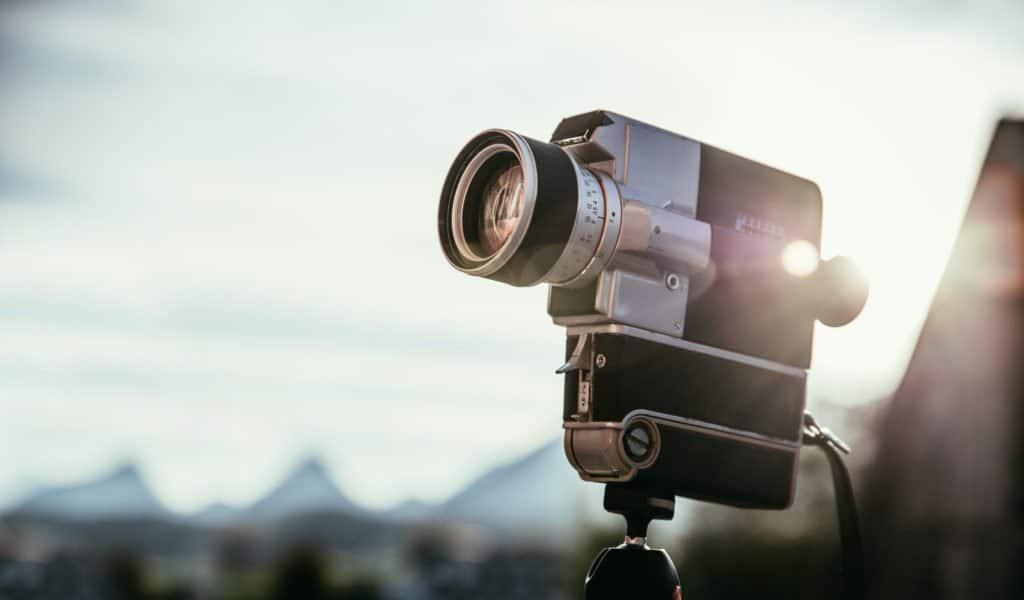 Mini Kamera auf einem Stativ