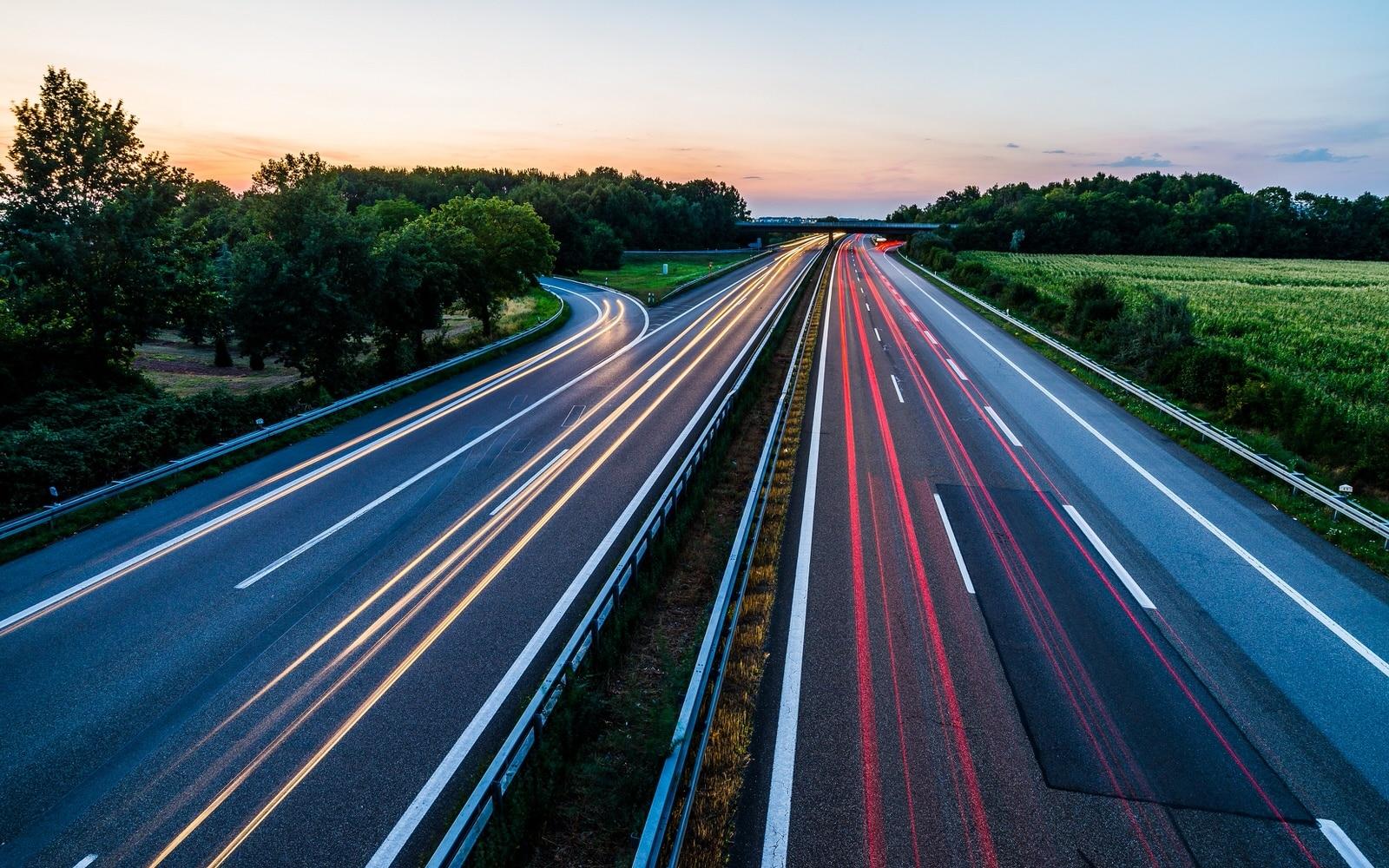 Langzeitaufnahme Autobahn