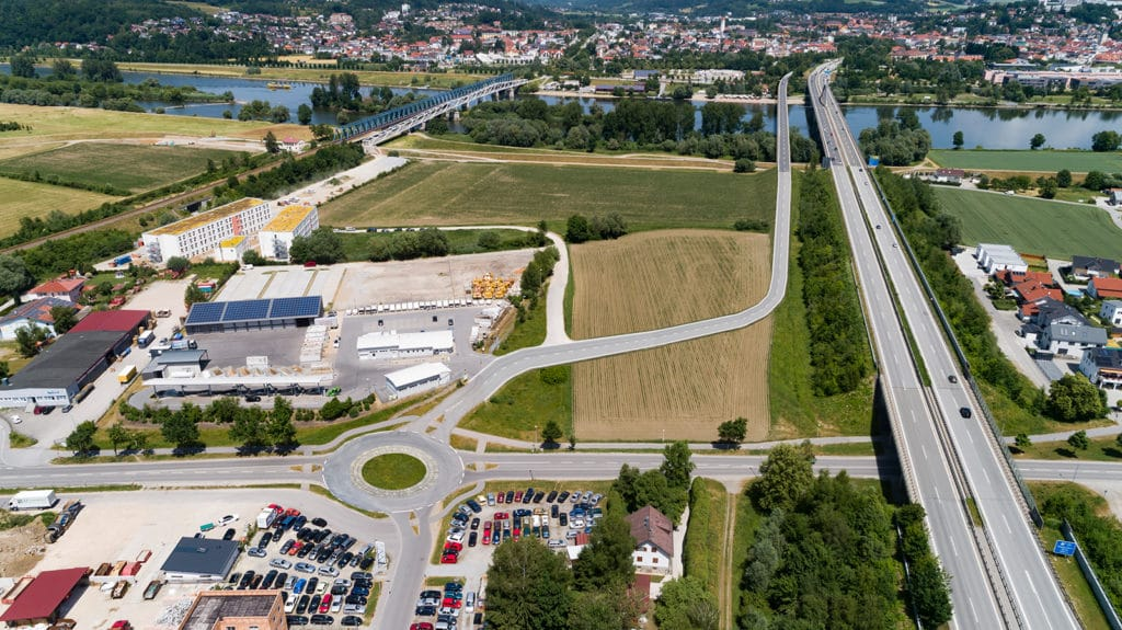 Fotomontage der neu geplanten Donaubrücke in Deggendorf